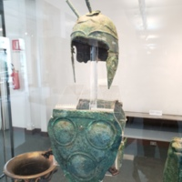 South Italian Bronze Helmet, Triple-Disc Cuirass - Gaudo Tomb 164, early 4th century BC (2).jpg
